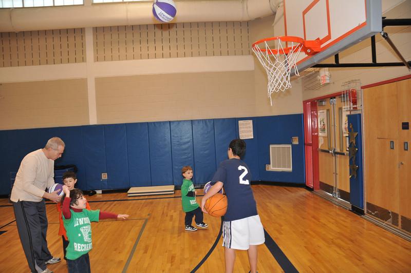 Basketball_03-01-08_P047