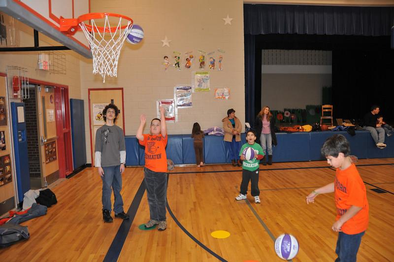 Basketball_03-01-08_P120