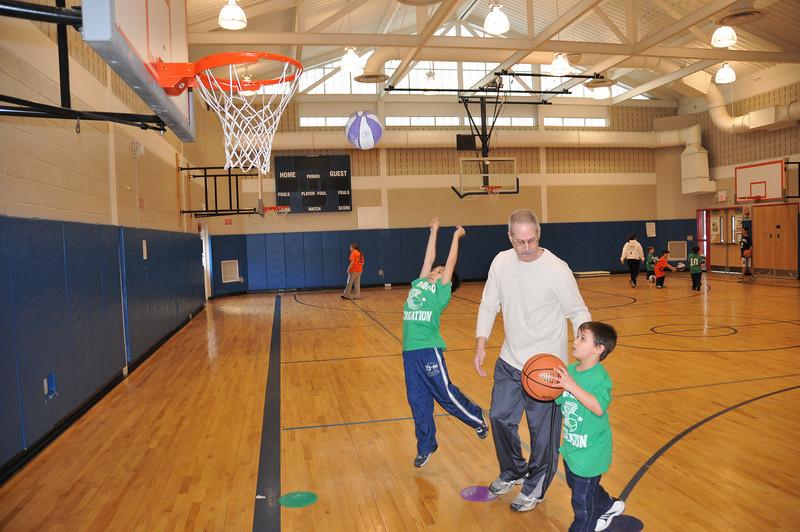 Basketball_03-01-08_P108