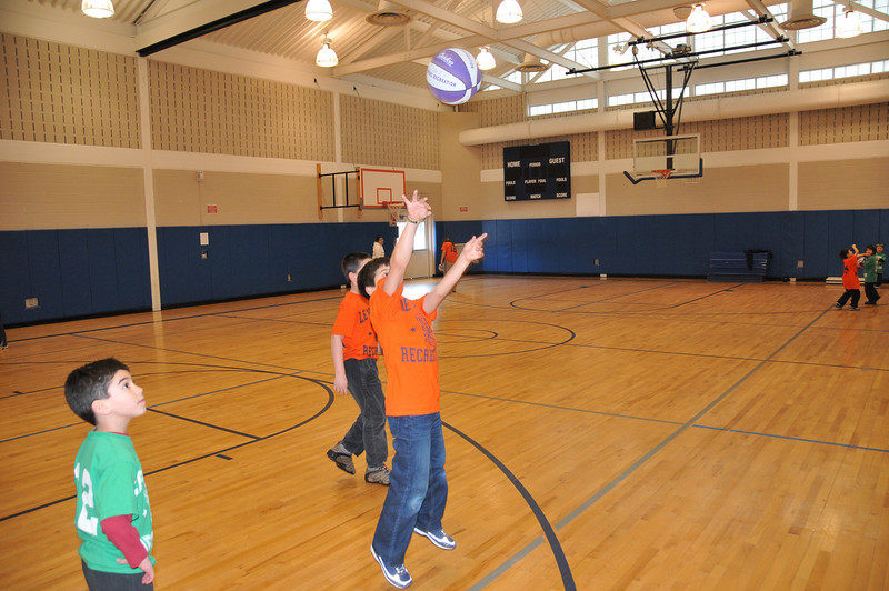 Basketball_03-01-08_P098