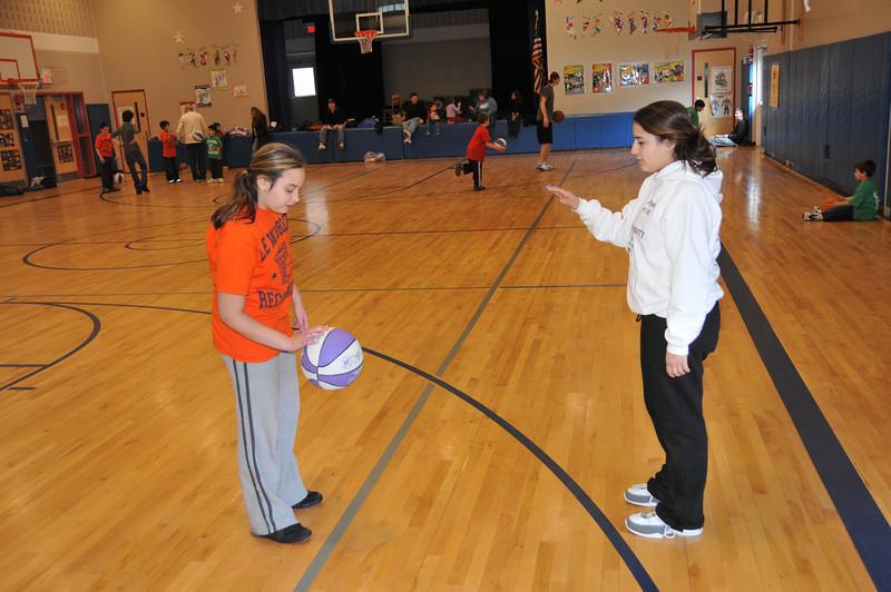 Basketball_03-01-08_P026