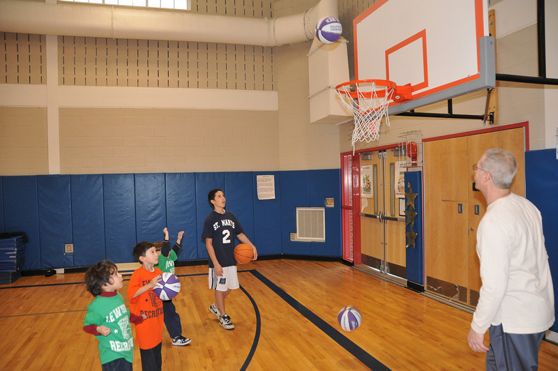 Basketball_03-01-08_P054