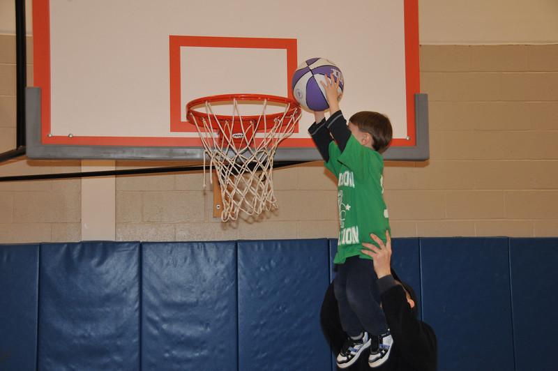 Basketball_03-01-08_P246