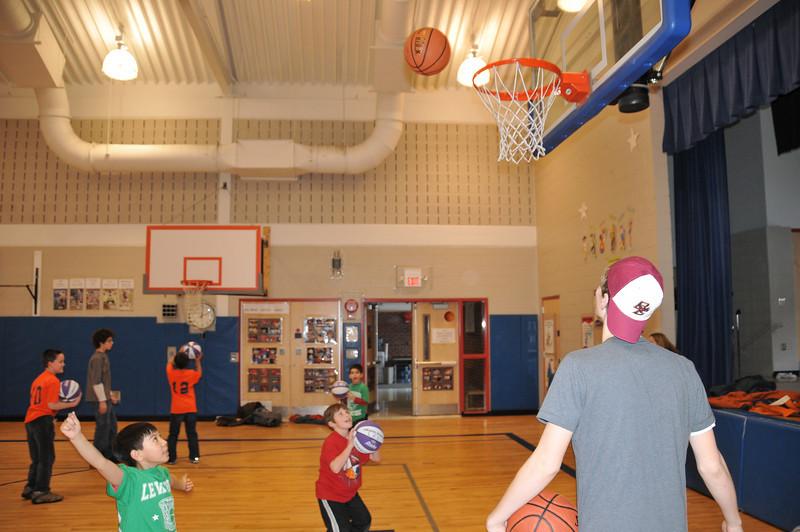 Basketball_03-01-08_P116