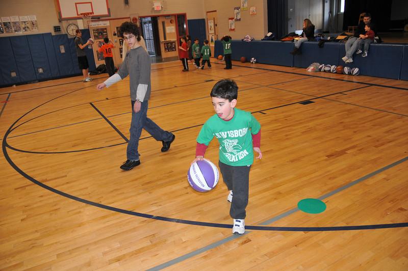 Basketball_03-01-08_P209