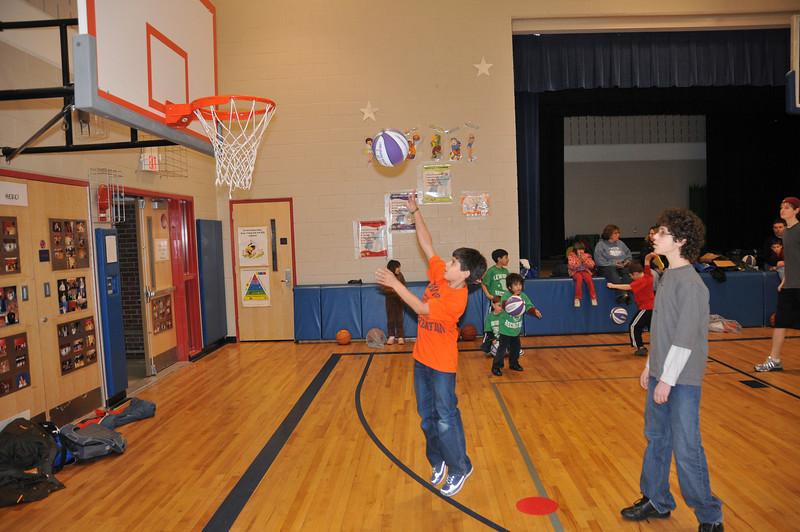 Basketball_03-01-08_P216