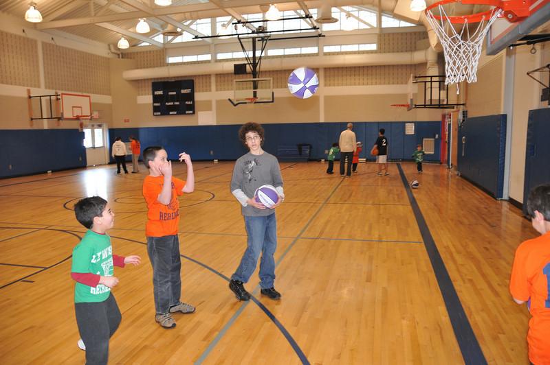 Basketball_03-01-08_P037