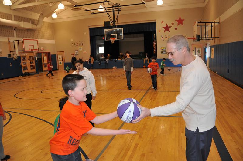 Basketball_03-01-08_P273