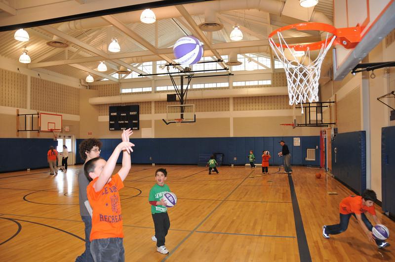 Basketball_03-01-08_P144