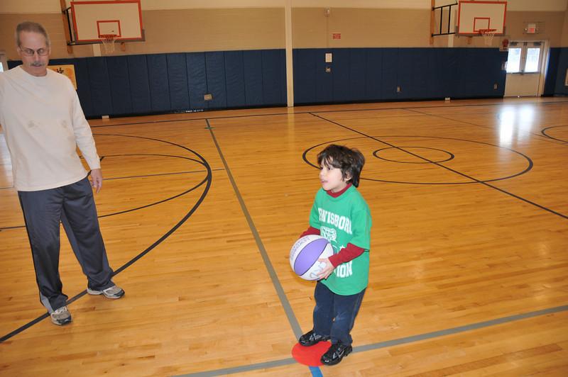 Basketball_03-01-08_P180