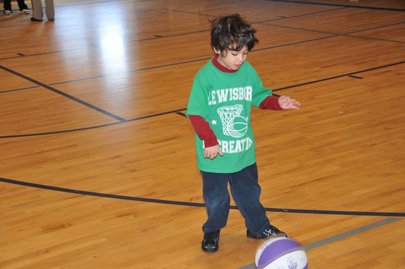 Basketball_03-01-08_P020