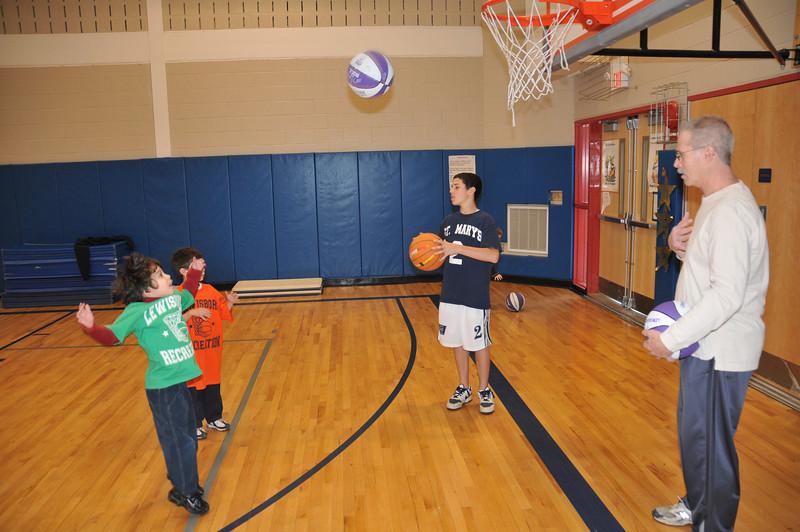 Basketball_03-01-08_P050