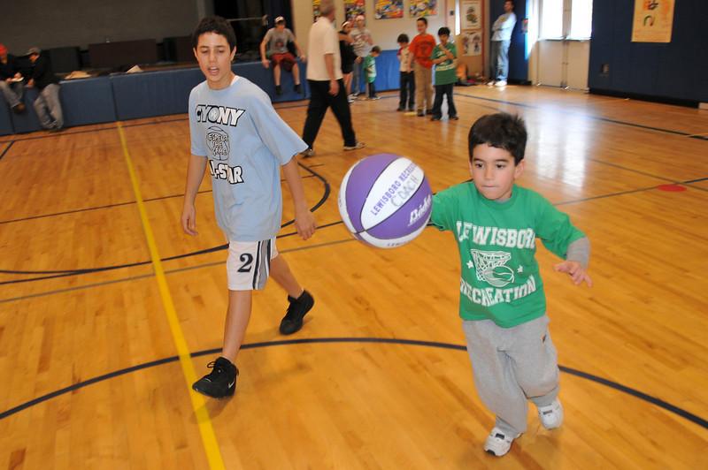 Basketball_3-15-08_P122