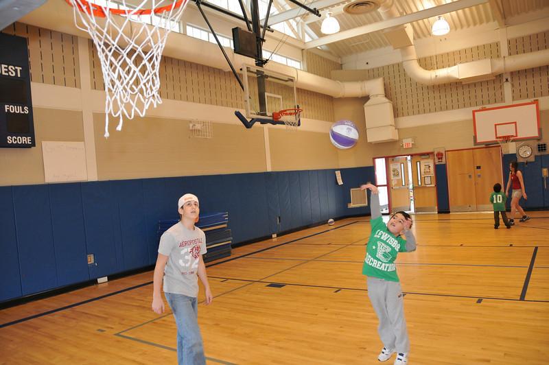 Basketball_3-15-08_P097