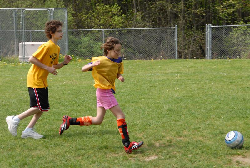 SoccerLeague_5-12-07_P-071
