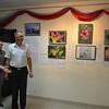 The author showing the exhibition / Автор показывает выставку