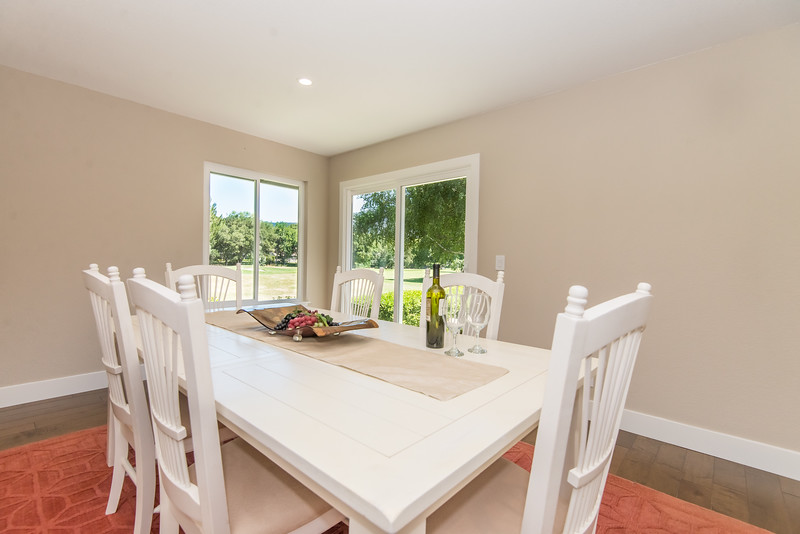 7929_dining_view