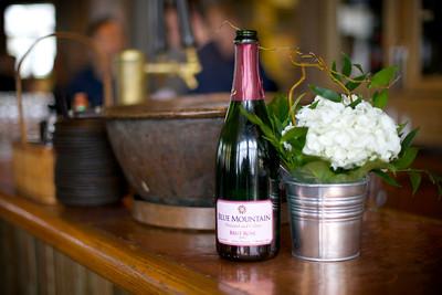 River Café Bar and Blue Mountain Brut Rosé