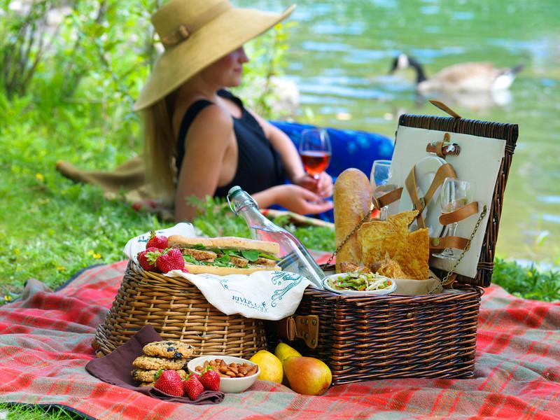 River Café Picnic Basket and blanket