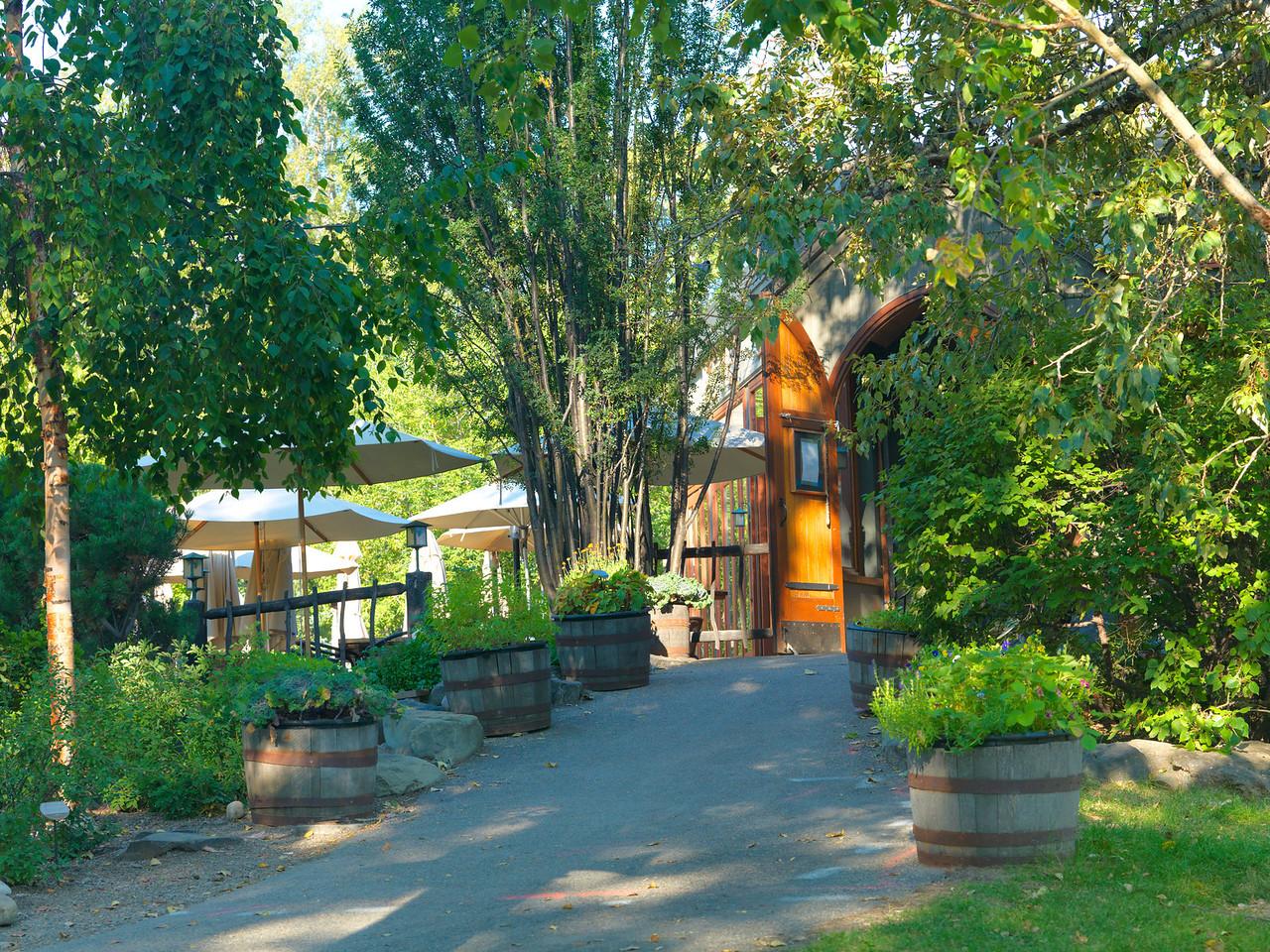 River Café Entrance & Patio Summer
