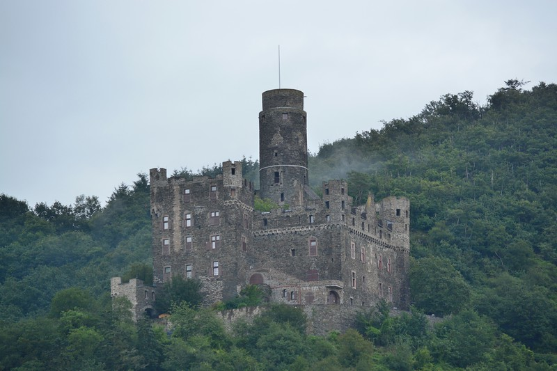 A full day cruise on the Main River gave plenty of opportunities for old castle viewing.