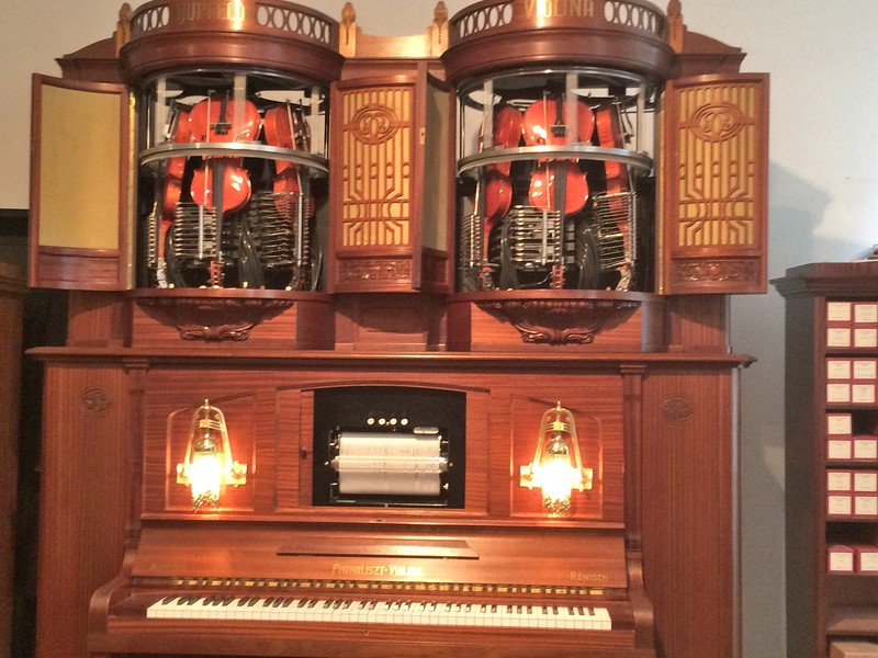 Photos of a few of the many mechanical musical instruments on display.