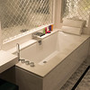 Tub in Crystal Suite 225. © Ralph Grizzle
