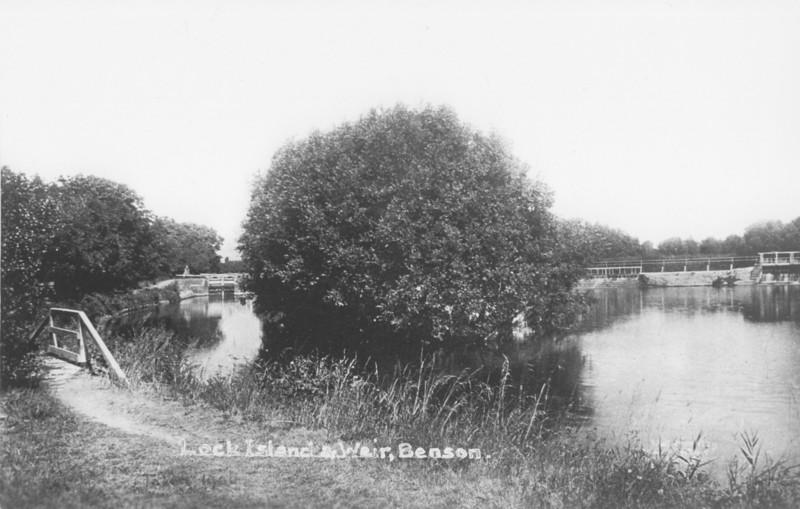 <font size=3><u> - Lock Island and Weir - </u></font>(BS0371) Probably 1950's