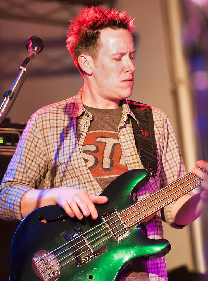 Robert Mercurio on Bass - Galactic