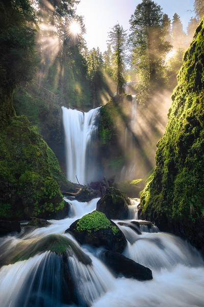Incredible light rays at Falls Creek Falls - Washington