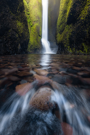 Oneonta Gorge Waterfall is a truly magical place in Oregon