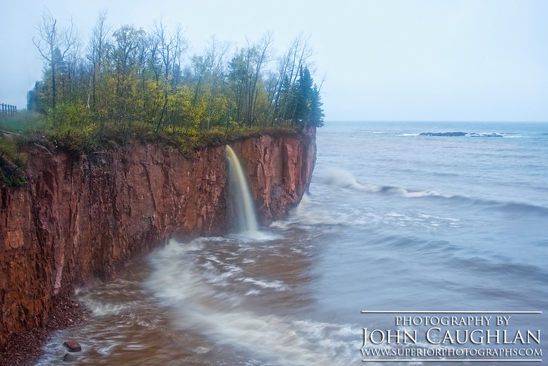 IonasBeach(waterfall1a)
