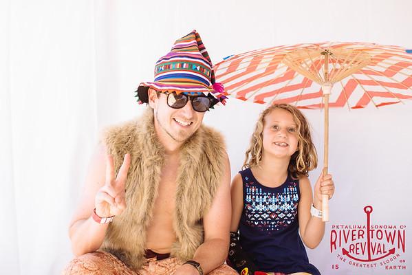 b  Rivertown Revival Photobooth 2015 m woolsey-2