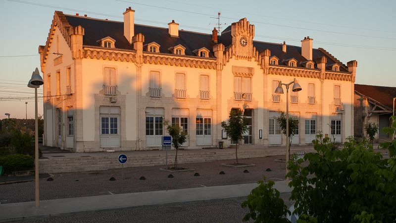 La gare d'Auxonne depuis ma chambre d'hôtel, de la gare, évidemment.
