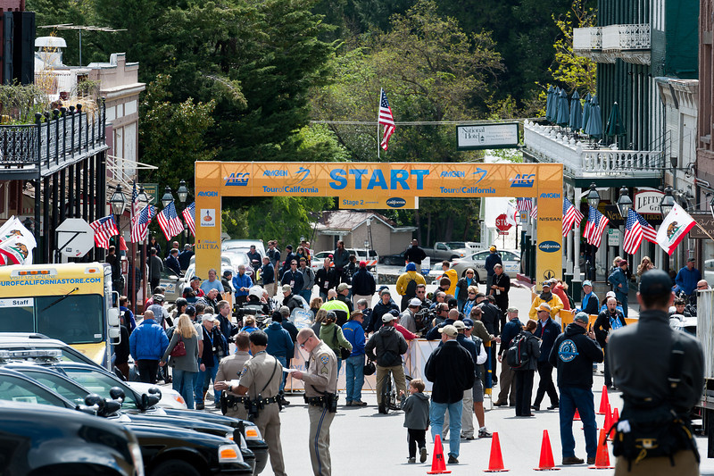 The Stage 2 start moves from Squaw Valley to Nevada City because of a freak May snowstorm. Duane Strawser and crew get the race set up with only a moments notice. Nevada City knows how to do a bike race!