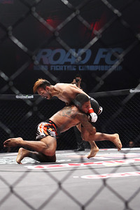 Bruno Miranda vs Lee Kwang-Hee at Road FC 016 in Gumi, South Korea
