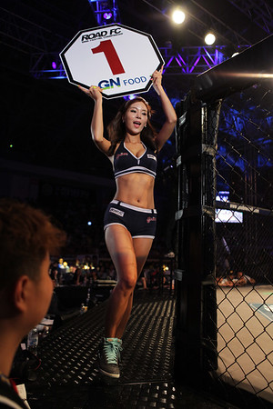 Ring Girl at Road FC 015 The Main Event Seo Doo-Won vs Joachim Hansen