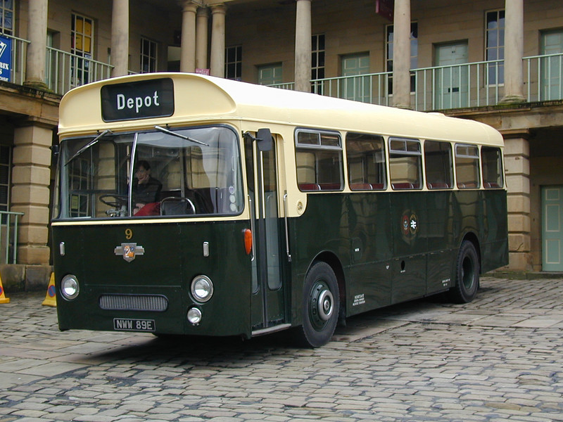NWW 89E BR/Todmorden Leyland Leopard  stands in the Piece Hall yard at HOTP 2001