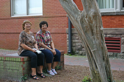 Fran & Maryanne waiting for the bus.