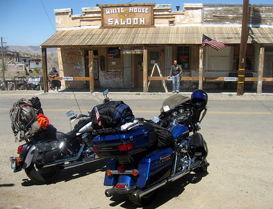 We stopped in Randsburg semi ghost town and wet our whistles and had a bite to eat in the old saloon.