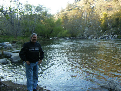 Our camp site was right on the Kern River.