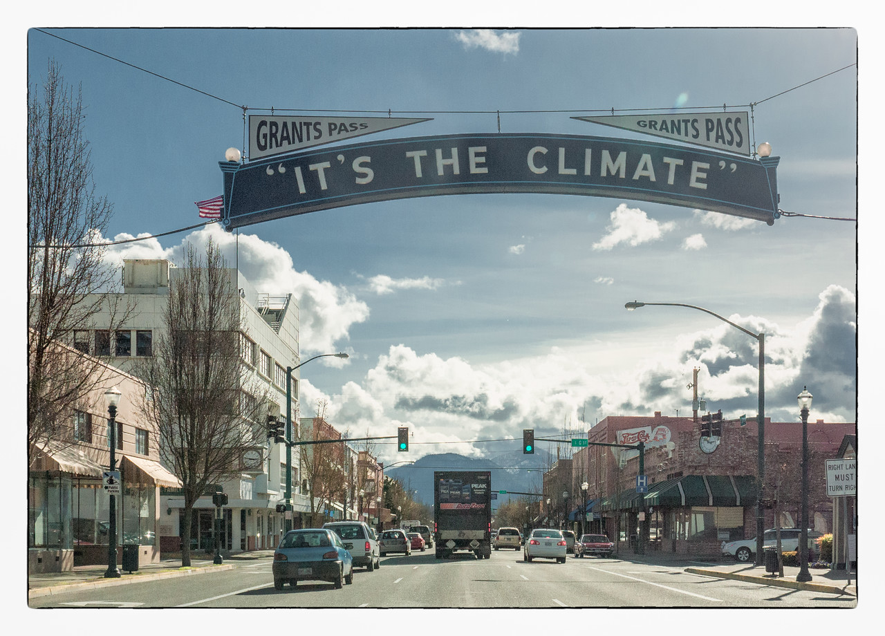 Grants Pass is a very intersting little town that I wish we had more time to explore.