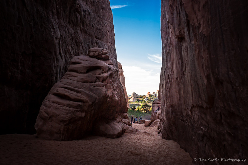 SAND DUNE ARCH TRAIL by RON CASTLE