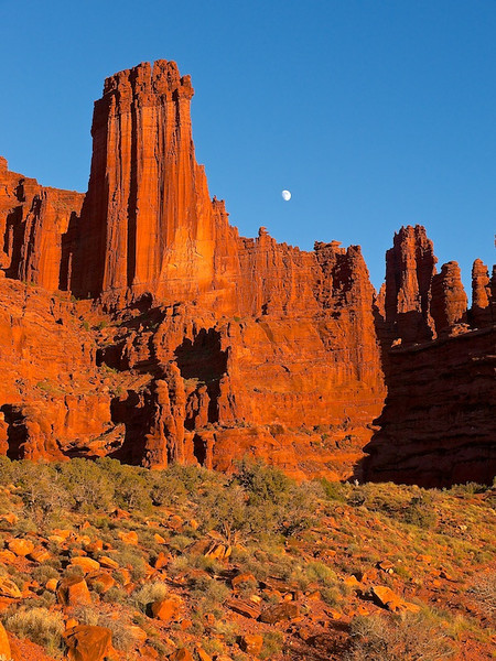 Fisher Towers Sunset photo by Lucy Reckleff