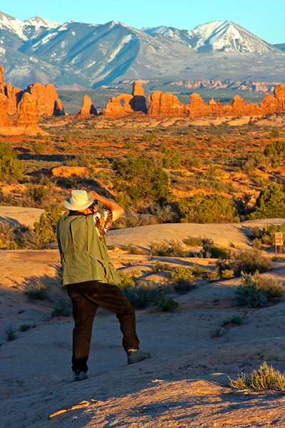 Ron Photographing Turret Arch and La Sal Mountains, Arches National Park, Utah