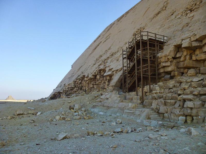 04 Bent-Red Pyramids 021