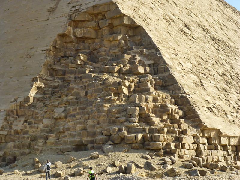 04 Bent-Red Pyramids 022