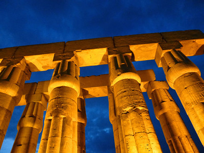 17 Luxor at Night 275
