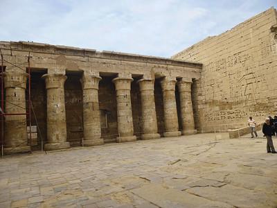 19 Habu Temple 299