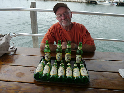Lunch at Keys Fisheries in Marathon, Florida - Plenty of cold beer (and no, David didn't drink all of those by himself!!)